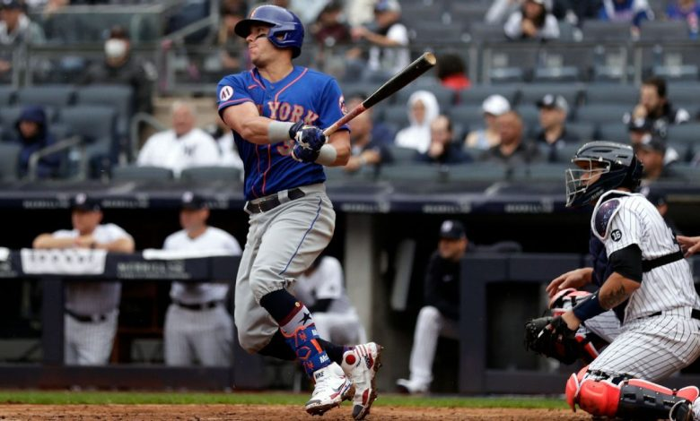 Will the Mets win the NL East? Are the Yankees still a contender? We debate Subway Series, Round 1