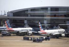 American Airlines, Spirit Airlines cancel hundreds of flights