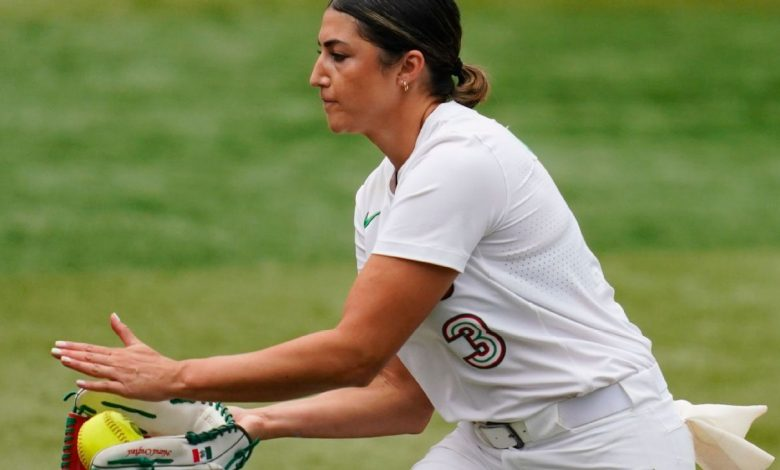 Danielle O'Toole apologizes for leaving team clothing in Tokyo, says playing for Team Mexico was both 'an honor and a privilege'