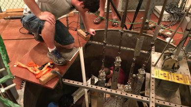 Long-Theorized Neutron-Clustering Effect in Nuclear Reactors Demonstrated for First Time