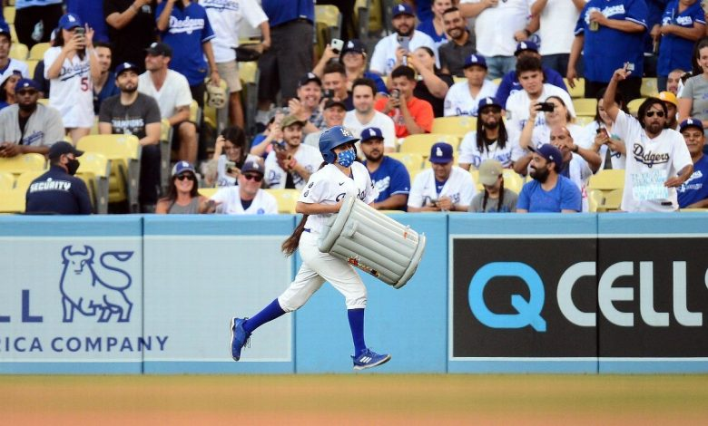 Los Angeles fans give Houston Astros not-so-warm welcome at Dodger Stadium