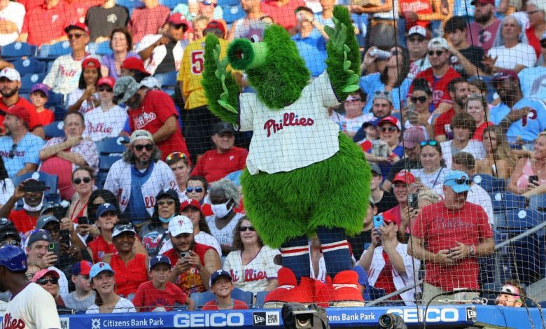 Philadelphia Phillies may continue to use changed Phillie Phanatic, judge rules