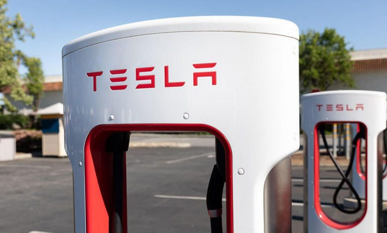Tesla Superchargers provide best EV charging experience, new study says