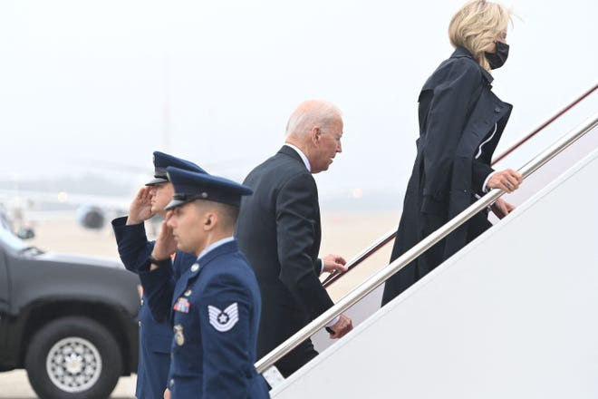 US President Joe Biden boards Air Force One prior to departure from Joint Base Andrews in Maryland, August, 29, 2021. - Biden travels to Dover Air Force Base in Delaware to attend the dignified transfer of the 13 members of the US military killed in Afghanistan last week. (Photo by SAUL LOEB / AFP) (Photo by SAUL LOEB/AFP via Getty Images) ORG XMIT: 0 ORIG FILE ID: AFP_9LU93N.jpg