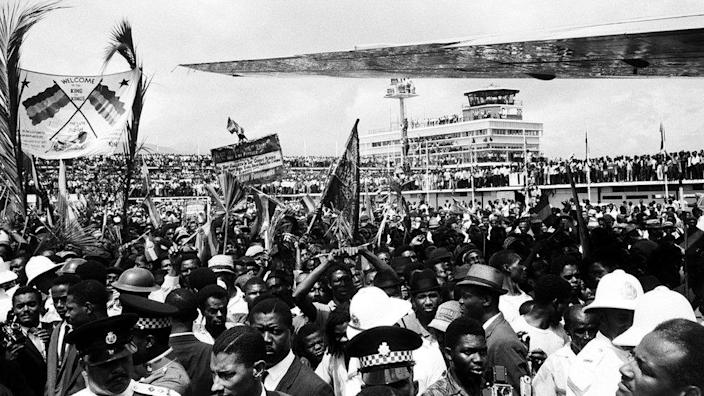 Crowds at the airport to welcome Haile Selassie in 1966