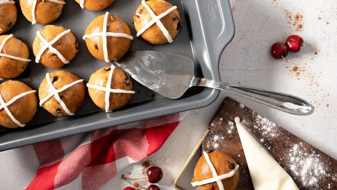 Pick up bakeware and kitchen accessories at the All-Clad VIP Factory Seconds sale.