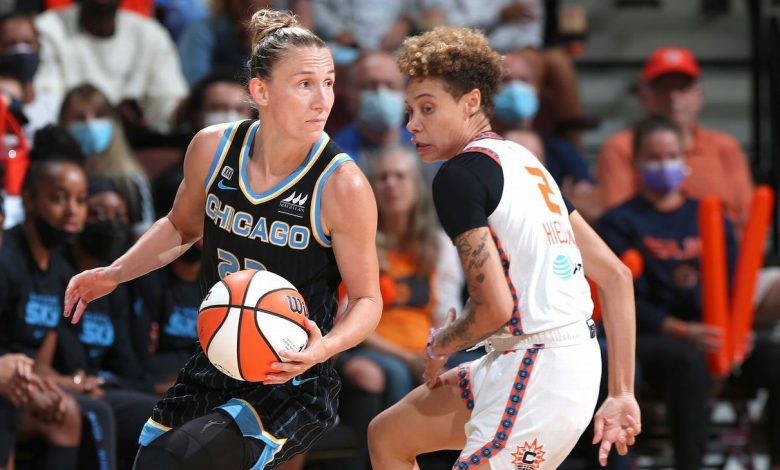 Courtney Vandersloot posts second triple-double in WNBA playoff history to lead Chicago Sky