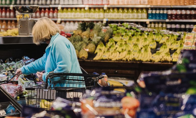 Kroger gets hit by higher costs offsetting bigger grocery baskets