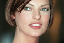 Linda Evangelista revealed on Instagram that she has stayed out of the public eye after complications from a CoolSculpt procedure.