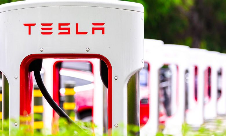 Tesla patent envisions lasers that act like windshield wipers to clean debris off cars