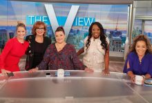 """From left, """"View"""" co-hosts Sara Haines, Joy Behar, Ana Navarro (contributor), former host Star Jones and Sunny Hostin welcome Jones back to the talk show on Sept. 10, 2021 as part of the show's Season 25 celebrations."""