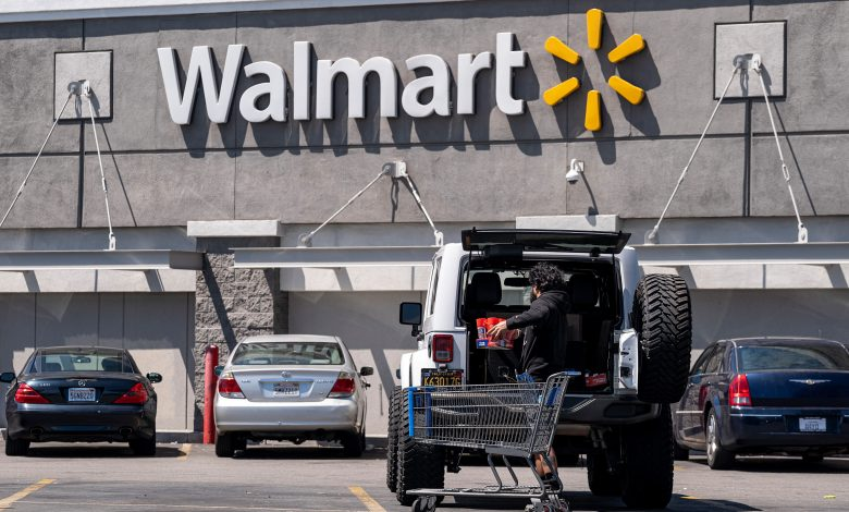 Walmart to hire 20,000 workers to aid supply chain