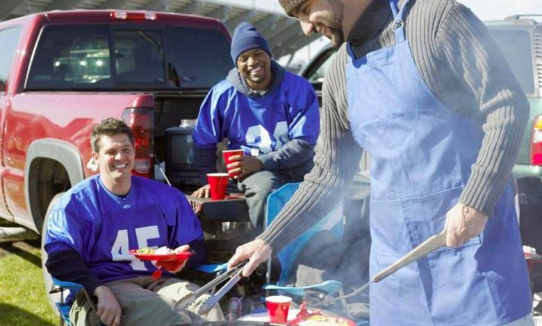 10 easy and quick tips for tailgating in cold weather