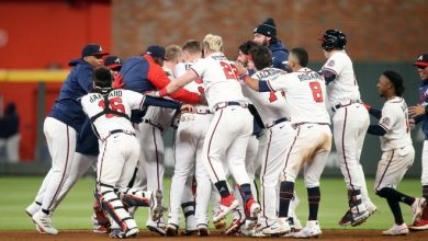 The Braves celebrate their walk-off win over the Dodgers in Game 1 of the NLCS.