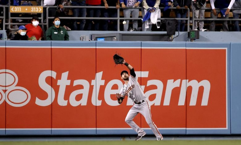 Los Angeles Dodgers thwarted by 'crazy' wind as San Francisco Giants take Game 3 thanks to Evan Longoria HR