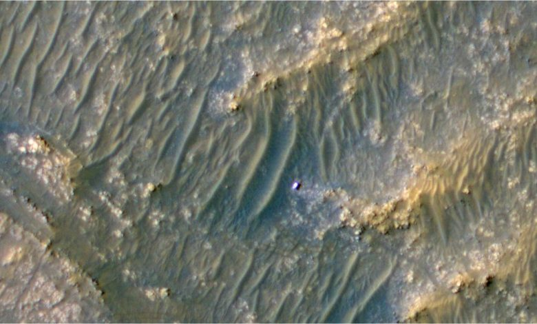NASA spacecraft spots Perseverance Mars rover looking like a shiny speck