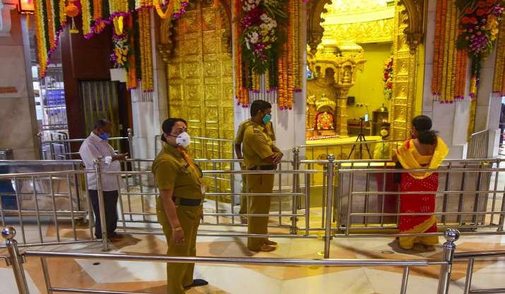 Religious places in Delhi opened for devotees, ensure strict adherence to Covid guidelines