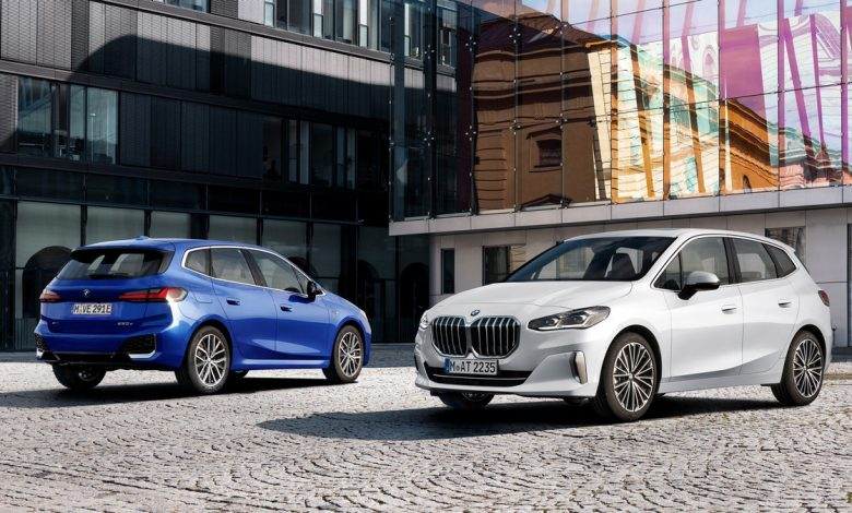 The 2022 BMW 2 Series Active Tourer has huge kidneys and a cool interior     - Roadshow